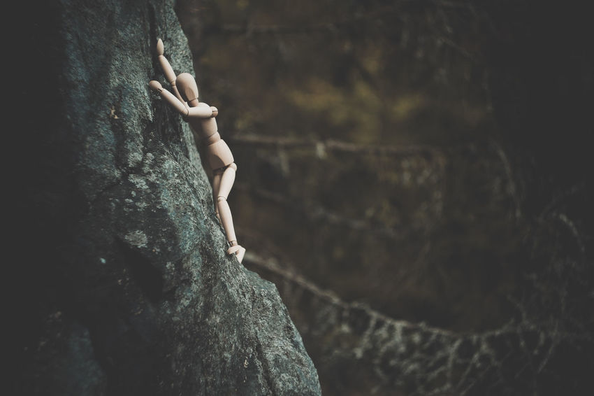 Climber Fear Adventure Adventurer Affraid Climbing Courage Day Figurine  Human Representation Nature Outdoors Reaching For The Sky Reaching The Summit Rock - Object Rock Climber Rock Climbers Tree