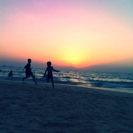 Play Kids Play Kitebeach Sunset beach sea sand run sun sky dubai uae icantbelieveithinkofjustintimberlakeeverytimeitagnow