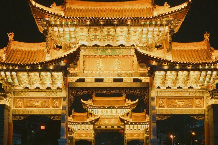 金马碧鸡 Architecture Building Exterior Gold Colored Built Structure Illuminated No People Low Angle View