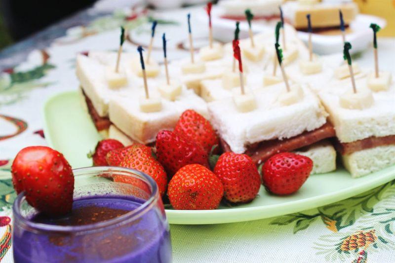 Food Sandwhich Strawberries