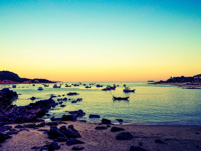 Bai Xep Vietnam Ocean Relaxing Check This Out Sunset Fishing Fishing Boat Colours