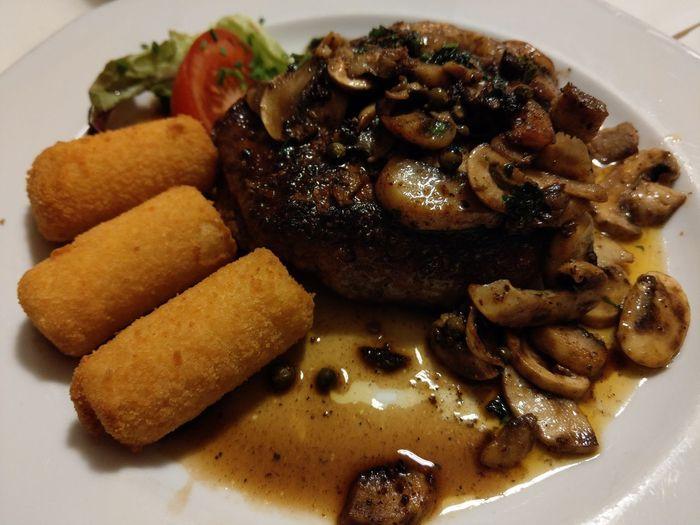 Filetsteak Honhardt Filet Filetsteak Rind Dinner Dinnertime Mypointofview Eyemphotography Foodporn Food Plate Close-up Food And Drink