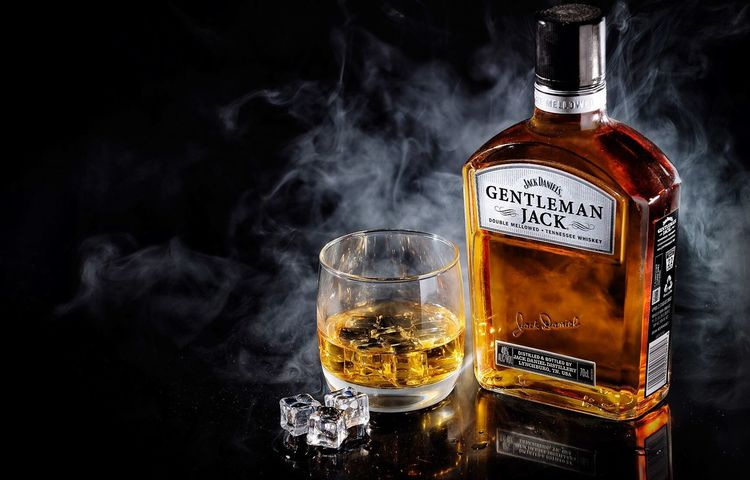 Food And Drink Drink Refreshment Freshness Close-up Alcohol Jackdaniels Gentlemanjack Smoke Still Life Glass