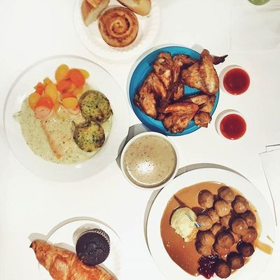 Early Dinner 🍴 Most delicious Meatballs @your_ikea_personal_shopper 😋 6:05pm | 23.07.15 Vscocam Vscomalaysia Foodvsco Igersmalaysia Igersmalaya Foodlover Foodjourney Foodgasm Foodfreak Flatlays Flatlay Flatlaystudio Onthetable Whiteaddict Tablesituation Fouryu