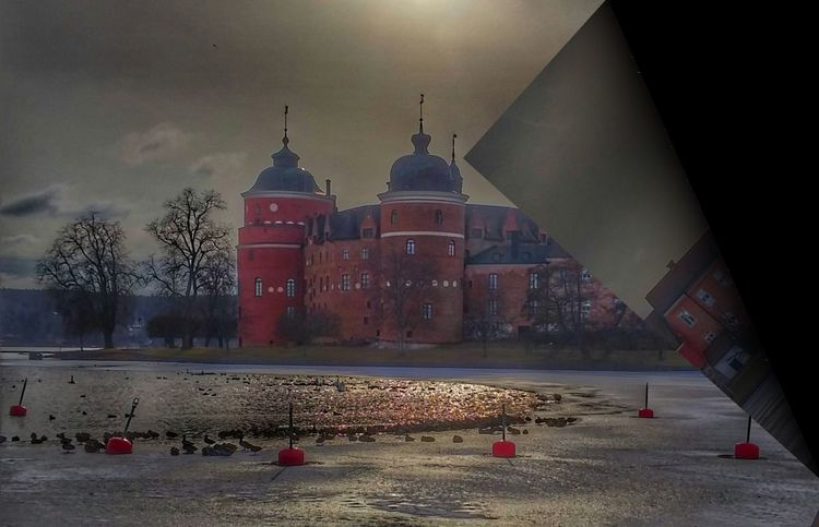Winter Castle View  Streetphotography Travel Destinations Architecture Outdoors EyeEm Best Shots History Gripsholm Nature Snowing Cold Temperature Architecture Tower Lights And Shadows Building Exterior Landscape