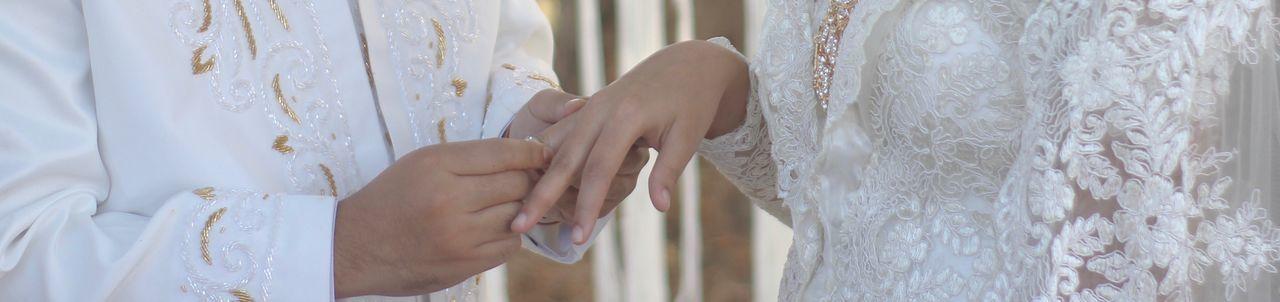 The moment. 💍 EyeEmNewHere Eyemphotography Eyem Best Shots Panorama Akadnikah Outdoors Human Hand Thering Wedding Wedding Photography