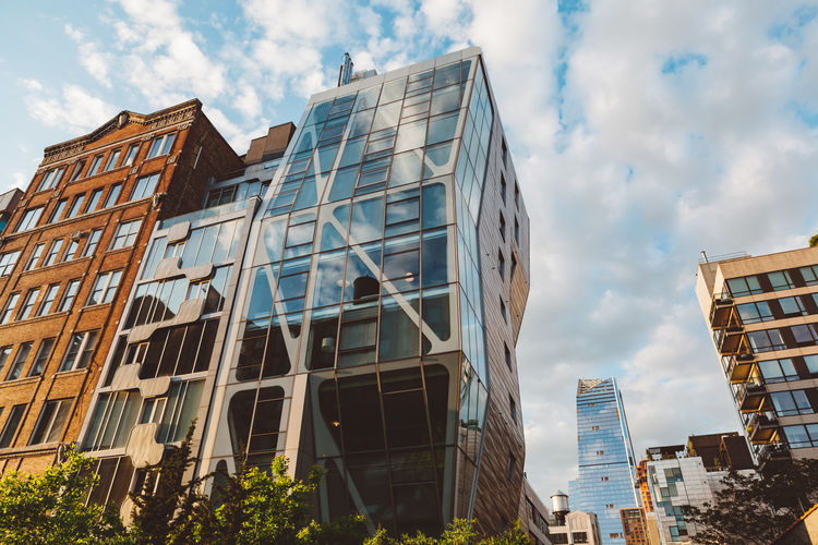 New York Architecture Architecture_collection Brooklyn Color Colorful Day New York Outdoors Street Art Street Photography Streetart Streetphotography Williamsburg Apartment Home House Sky New York City Highline Building Exterior Buildings Building Clouds Blue Sky City