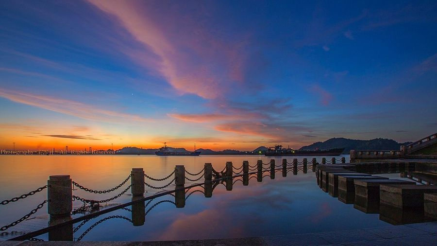 Sunset Water Sky Scenics Sea Reflection Beauty In Nature Nature Outdoors Cloud - Sky Tranquility 好心情(1) Travel Destinations No People Night Horizon Over Water