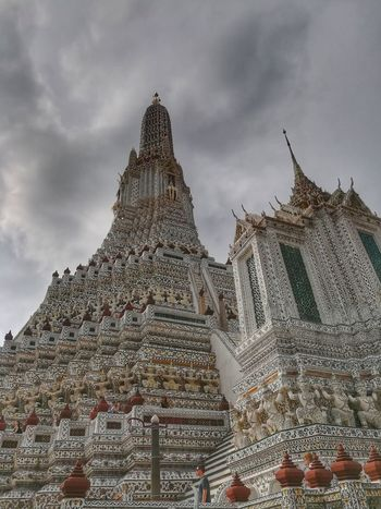 History Travel Destinations Low Angle View Huaweiphotography Huawei CollectionWat Arun Ratchawararam Ratchawarama EyeEm Thailand Architecture Outdoors Religion Tourism Building Exterior Pagoda Pagoda Building Travel In Thailand