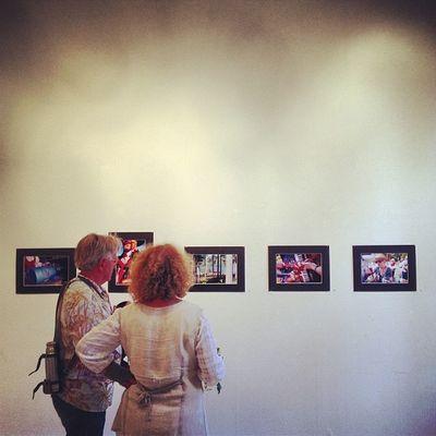 Så kan det se ut på vernissage i Delsbo Fotost ämman Delsbost ämman
