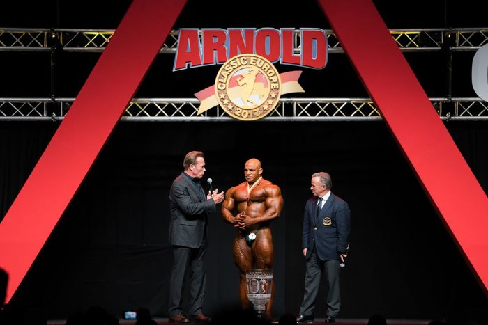 Barcelona Bodybuilding Classic SPAIN Adult Adults Only Arnold Classic Arnold Schwarzenegger AWARD Big Ramy Day Fitness Looking At Camera Men Mid Adult Mid Adult Men Only Men Outdoors People Portrait Pride Sport Standing Three People Young Adult