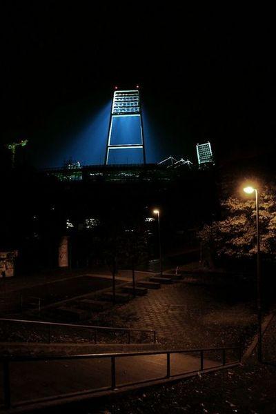 Weserstadion. Weserstadion Weserdeich SV Werder Bremen Bremen Stadion Flutlicht Silhouette