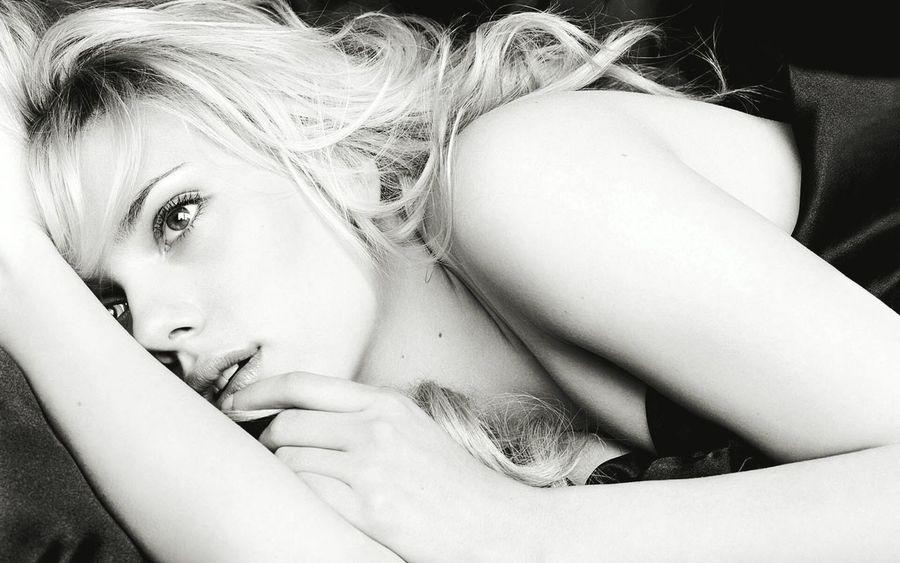Scarlett Johansson Beautifull Hd Wallpaper Popular Photos Eyem Best Shots