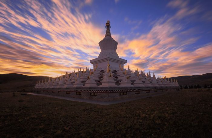 Sichuan Cloud - Sky Sunset Travel Destinations Sky Religion Architecture Travel Building Exterior History Outdoors Place Of Worship Gold Dome No People China