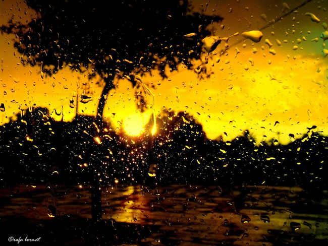 Raining sunset in the car. EyeEm Nature Lover EyeEm Best Shots Eye4photography  Nature Landscape Light And Shadow Clouds And Sky Sunset Taking Photos Relaxing