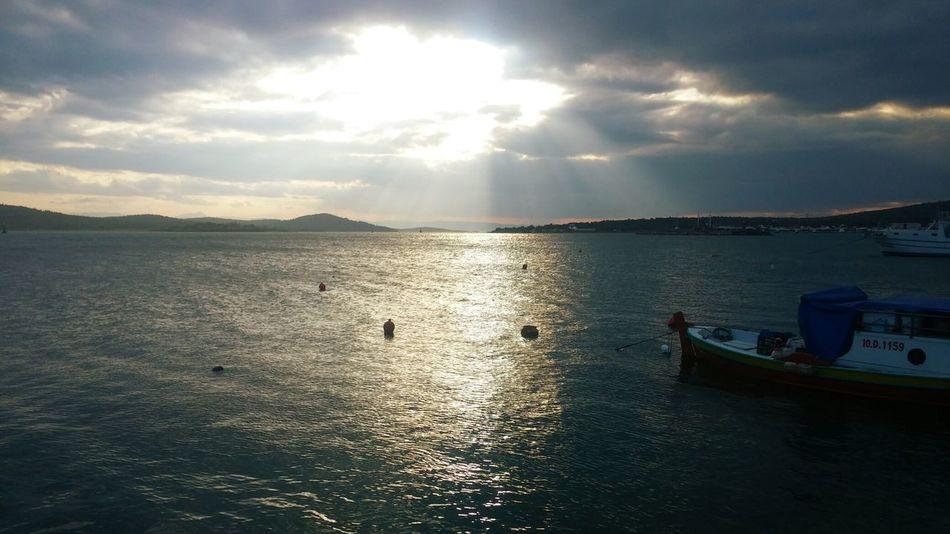 Sea Scenery Traveling Cunda Balikesir Ayvalik Turistic Sunset #sun #clouds #skylovers #sky #nature #beautifulinnature #naturalbeauty #photography #landscape Holiday