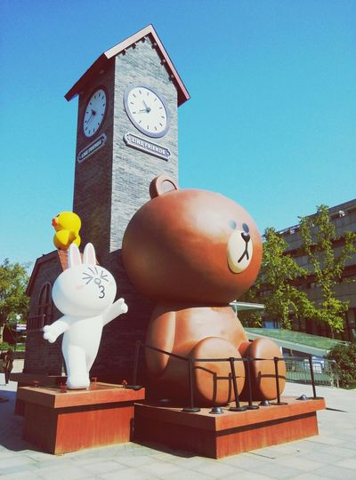 Lifefriends 卡通cartoon Sculpture Statue No People Day Sky Clock Clock Face Outdoors Time Astrology Sign Politics And Government