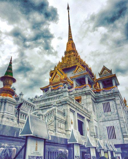 Goldenbuddha Amazing Architecture Thailand_allshots Place Of Worship Spirituality Building Exterior Buddhism Travel Photography Bangkok No People Low Angle View