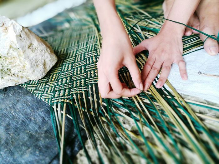 Art Is Everywhere Banig weaving in Basey, Samar, Philippines using local grass that grows in the vicinity. Weaving Weaving Leaf Weaver Philippines People Work Working Hands Women Women Around The World Women Who Inspire You Women Of EyeEm Fresh On Market 2017