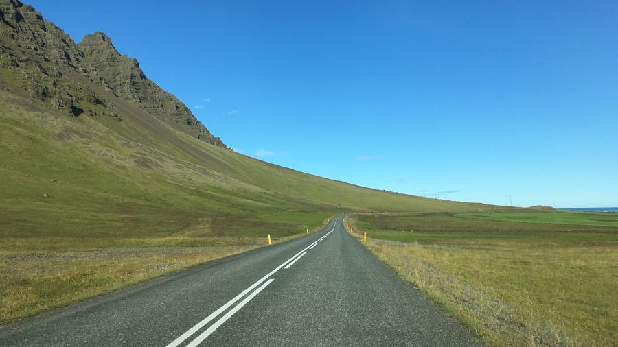 Route d'Islande / Iceland Road EyeEmNewHere Iceland Landscape Iceland Trip Iceland Islande Iceland Memories Icelandic Nature Icelandic_explorer Road Sky Direction The Way Forward Transportation Mountain Tranquil Scene Tranquility Beauty In Nature Landscape Scenics - Nature Nature No People
