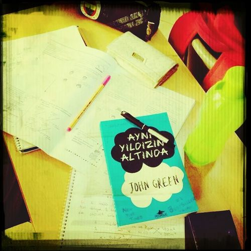 "Aynı Yıldızın Altında <3 Class Books ♥ Reading & Relaxing #my best friend :) ^_^ *-* ""_"" #happy!!"