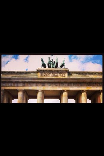 Sightseeing @ Brandenburger Tor in Berlin , Germany