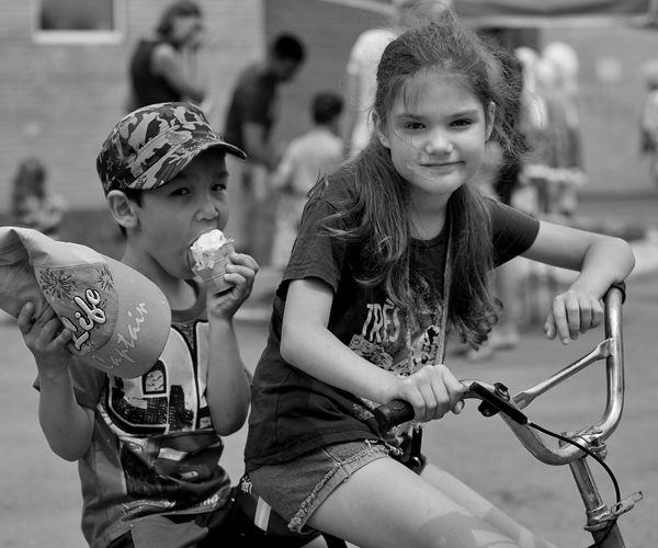 Ice Cream Blackandwhite Monochrome Transport Black And White Bicker Bike Child Children Friendship Child Young Women Childhood Girls Plucking An Instrument Happiness Togetherness Playing Friend Ice Cream Cone