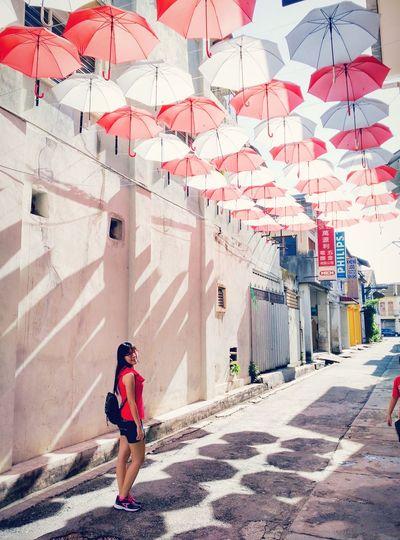 When the sun shines down on me Sunnyday☀️ Umbrellastreet Marketlane Ipoholdtown