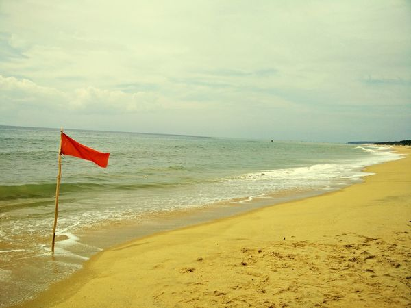 Flag on beach Beach Beachphotography Beach Photography Hanging Out Taking Photos Enjoying Life Beach Day Ocean Ocean View Small Waves Waves, Ocean, Nature Natural