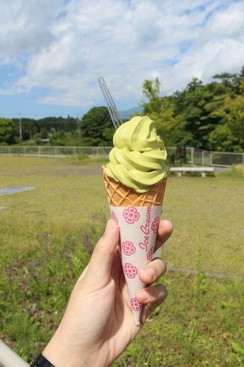Enjoying matcha ice cream while we are in Mt. Fuji. Savouring the taste of tokyo! Feel The Journey Ice Cream Live Love Shop Matcha Green Tea Mt Fuji Original Experiences Summer Showcase June Ultimate Japan