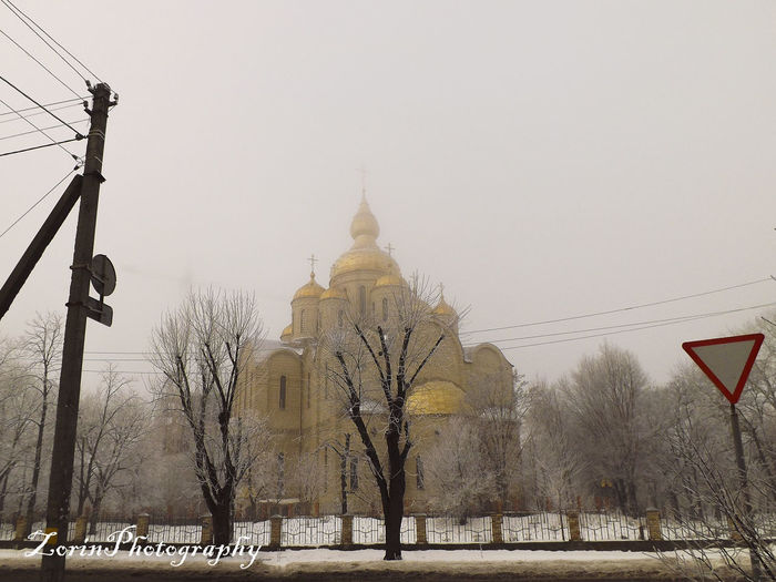 winter fairytail in the fog #church #fog #foggy #Morning #Road #snow #street #streetphotography #White #Winter Architecture Built Structure No People Outdoors Sky Tree