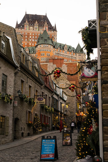 Noël dans le Vieux-Québec Building Exterior Outdoors Travel Destinations City Architecture Street Town History Built Structure Day Quebec City Old Town Travel Fairmont Le Château Frontenac Nikon Nikonphotography Christmas Old Street Castle Beautiful Charming Nikonphotographer Cityscape City Street
