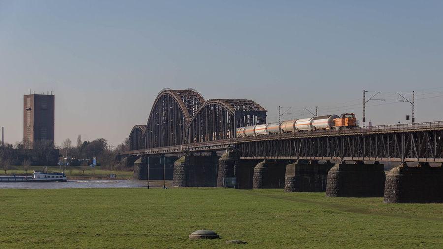 Bridge Brücke Eisenbahnbrüc Freight Train Güterzug North Raiil Pont Railway Bridge Rhein Rheinbrücke