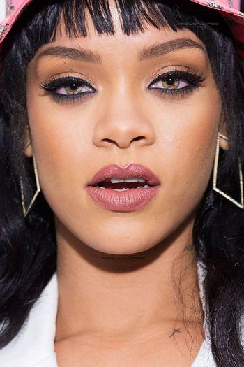 Rihanna Hot Beautiful