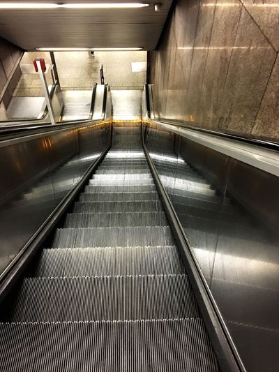 Rolltreppe, U-Bahn, Metro Station Metro Stairs Architecture Staircase Indoors  Railing Convenience Escalator Steps And Staircases Technology The Way Forward Transportation Direction Futuristic Lifestyles Modern