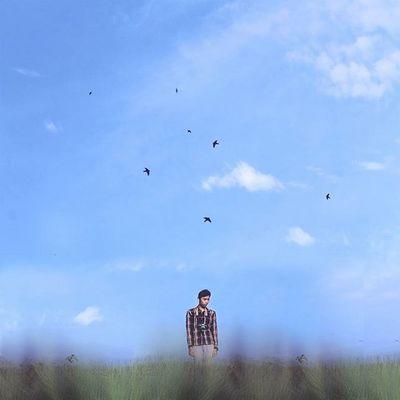 Jadilah seperti Padi yang senantiasa menunduk patuh pada tuhannya tanpa sedikitpun kesombongan meski dia bermanfaat bagi orang lain. Place : Leuwiliang, Bogor Minimalpeople Awesomeminimal Minimalist Minimalism Artofvisuals Creative Creativevisuals Bogorpisan Indonesiantraveler Igersbogor