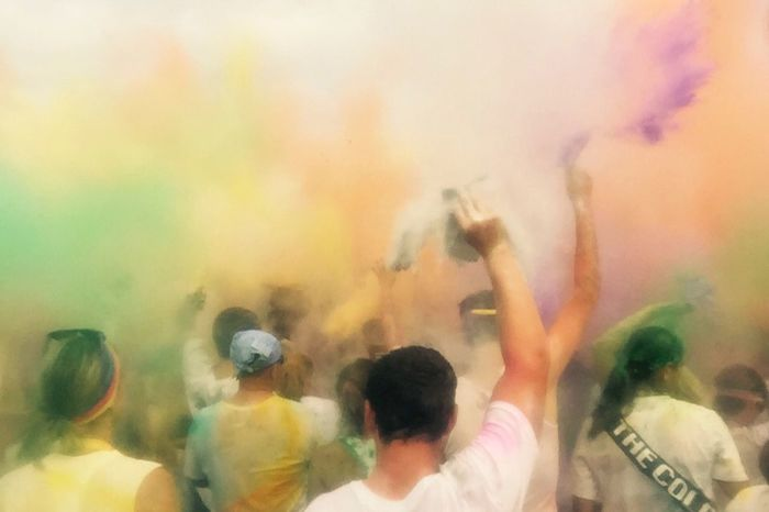 """I call this filter """"iPhone in a plastic bag"""" haha Colors Filter Coloroflife Happy People Crowd"""