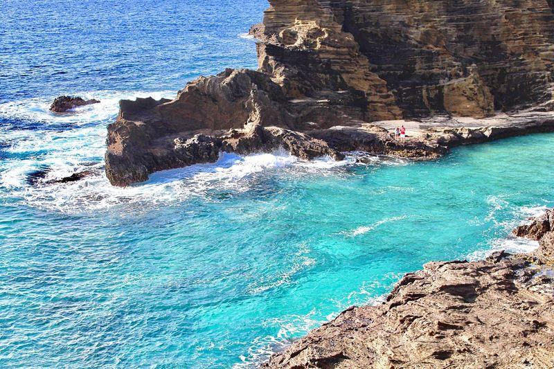 Halona Blowhole Lookout 🏝 Honolulu  Oahu Hawaii USA Sea Rock - Object Wave Blue Beauty In Nature Outdoors Hawaiian HalonaBlowhole Travel Photography EyeEm Nature Lover High Angle View Gradation Enjoying The View Clear Water Lookout ホノルル オアフ島 ハワイ アメリカ 海