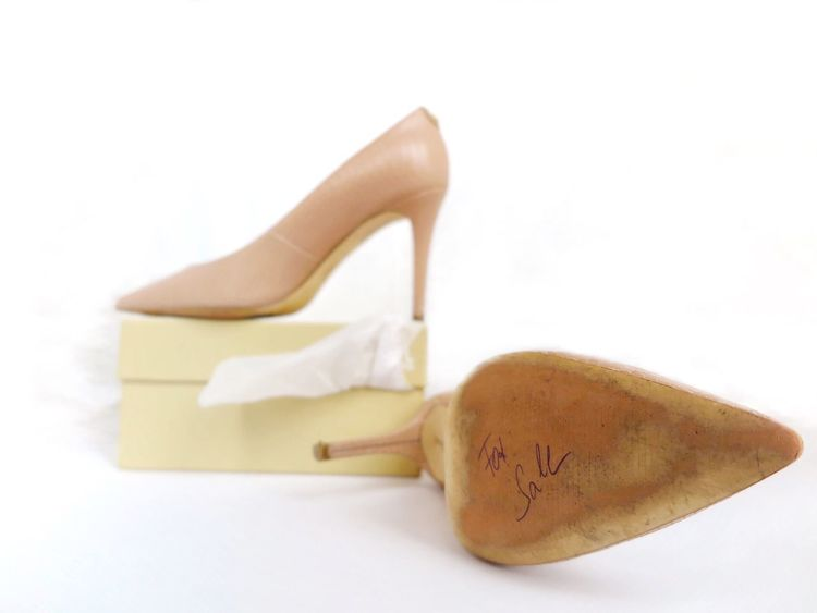 Text Close-up White Background No People Indoors  Pastel Colors Pastel White Album Beauty Details Of My Life Pink Only For Women Only Women Lifestyles High Heels Still Life Fashion&love&beauty Lieblingsteil Fashion Adhesive Bandage Rubber Stamp For Sale Font Handwriting  Shoe