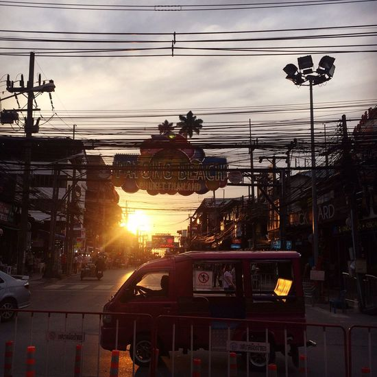 Провода осложнявши жизнь... Мне не видно небо! Patong Road TukTuk Streetphotography Street Photography Sunset Sunset_collection Thailand Bangla Road City