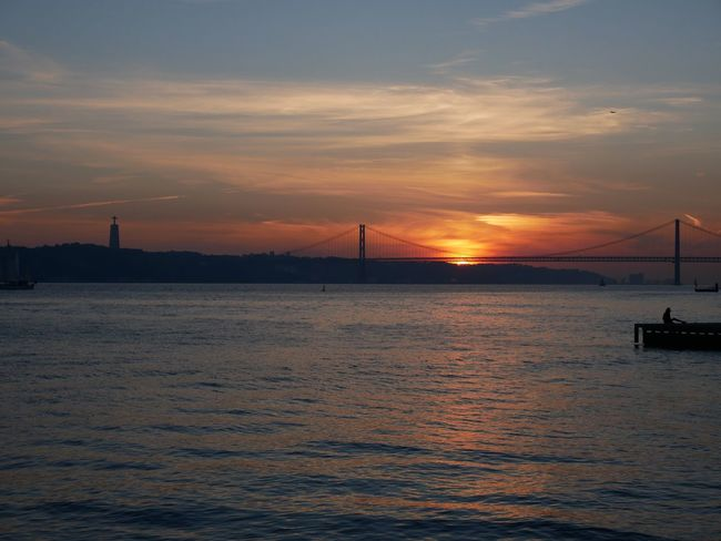 Sun Sunset Sunlight Sunrise Sunshine Sunset Silhouettes Bridge Cristo Soleil Sole...☀ Lisbon Lisboa Lisbonne Sky Sea Waterfront Cloud - Sky Outdoors