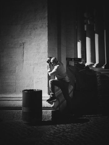 Real People One Person Architecture People Blackandwhite Adult Bnwphotography Bnw_captures Bnw Portrait Man Hunk Travel Outdoors Guy Indoors  Lifestyles Portret Day Travel Photography Traveling Travel Destinations Italy Italy🇮🇹 Rethink Things