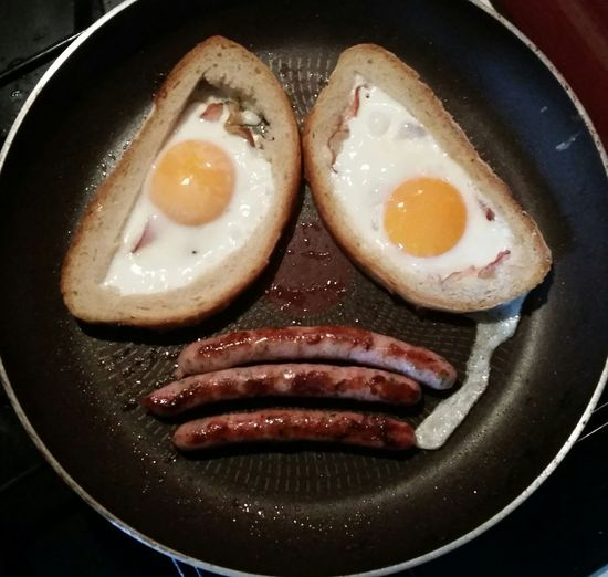 On Monday morning even breakfast is sąd... Food And Drink Food Egg Close-up Meal Egg Yolk Preparation  Fried Egg Sad Face Monday Mondaymorning Monday Morning Facelike Sad Sadness Sad Monday  English Breakfast Visual Feast