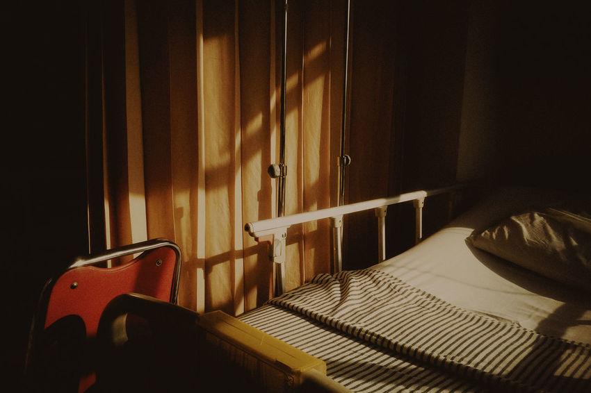 darkness and light EyeEm Best Shots Light And Shadow Getting Inspired EyeEm Masterclass EyeEm Gallery Sunlight Room Summer Sun Day Object Photography Objects Hospital Light Minimalism Abstract The Still Life Photographer - 2018 EyeEm Awards