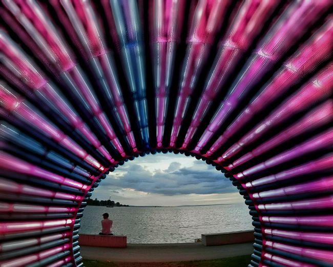 Farbenspiel Der sogenannte Lichttunnnel an der Molo in Bregenz, nebst dem Bregenzer Hafen: Midnight Composing, Wake Up & Realize, Hidden Gems  Leuchten Glowing Tunnel Lichttunnel Leuchtstoffröhren, Cloudy Sky in Central Background Zentrum, Glowing