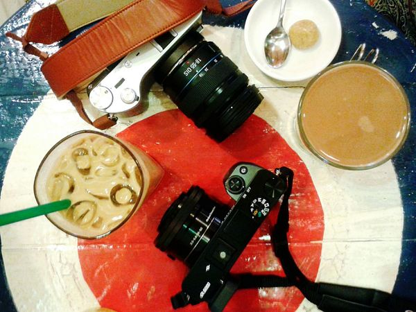 Hipster date Coffee Cameras