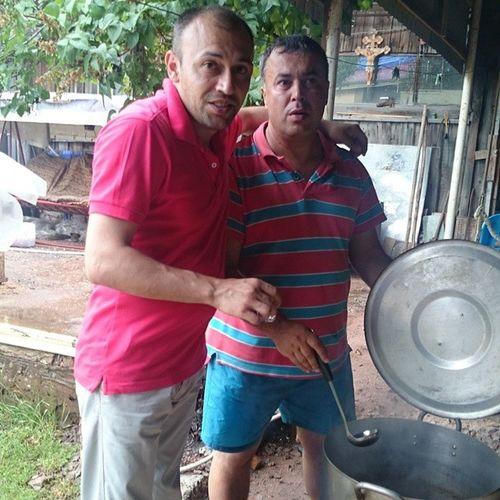 Артур песа готовит хашламу