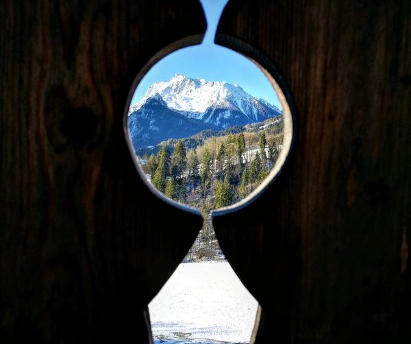 Hochkalter aus einer genialen Perspektive. Scenics Mountain Range Reflection No People Landscape Day Outdoors Close-up Planet Earth Sky Nature Mountain Beauty In Nature Growth Tree