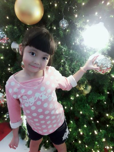 happy cute girl Happy 4-5 Years Lovely Love Care Asian Girl Adorablekids Cute Girl Tree Child Portrait Childhood Cheerful Smiling Happiness Christmas December New Year New Year's Day Tree Topper Midnight Decorating The Christmas Tree