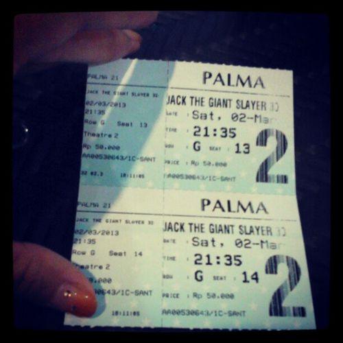 Yeayyyyyyy !! Watching movie Jack The Giant Slayer in saturday nite with @rianstatham .. Cinema21 MOVIE Jackthegiantslayer SaturdayNite ..